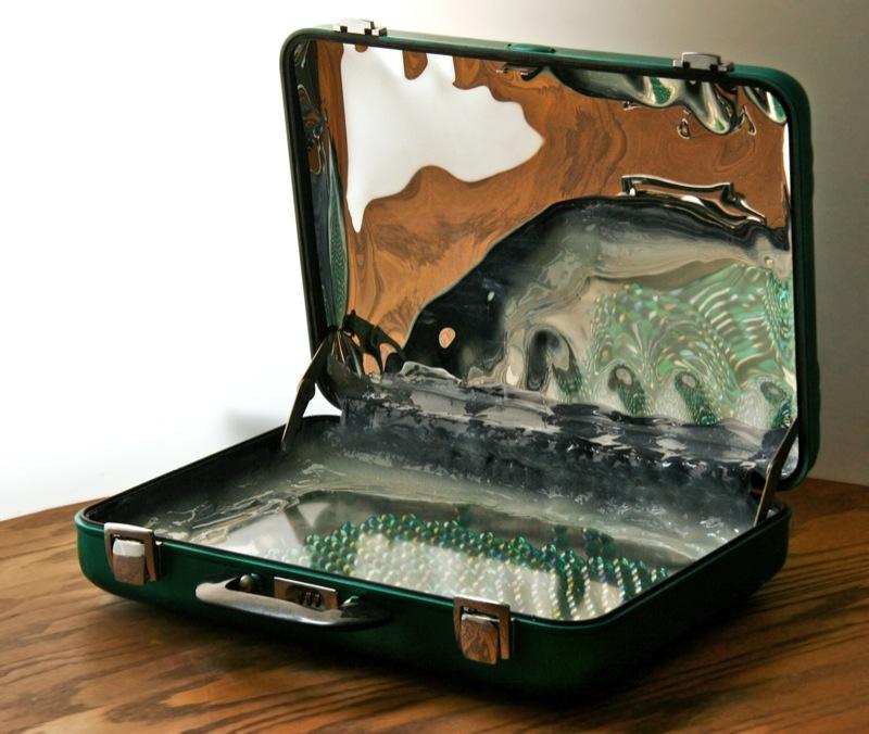 grimanesa amoros remolino la maleta sculpture