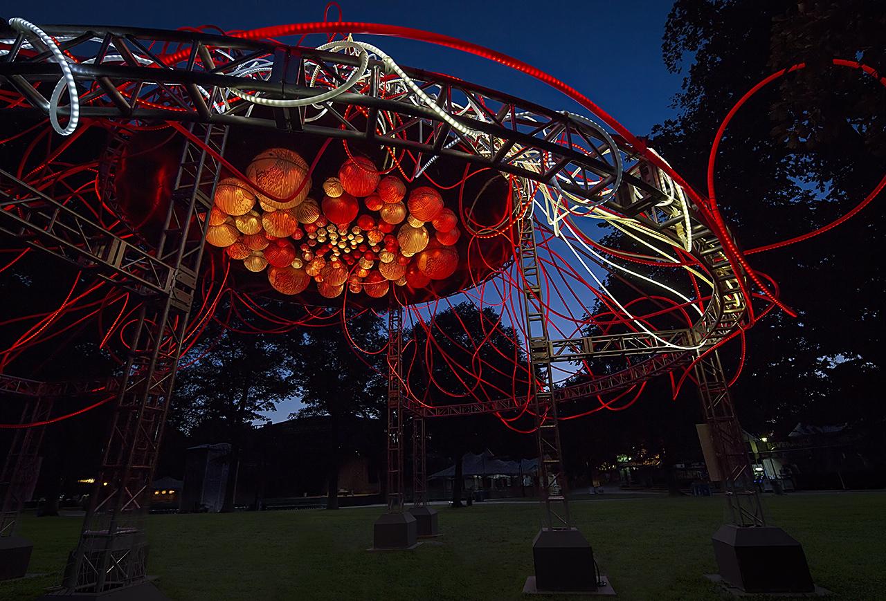grimanesa amoros hedera light sculpture in prospect park brooklyn new york