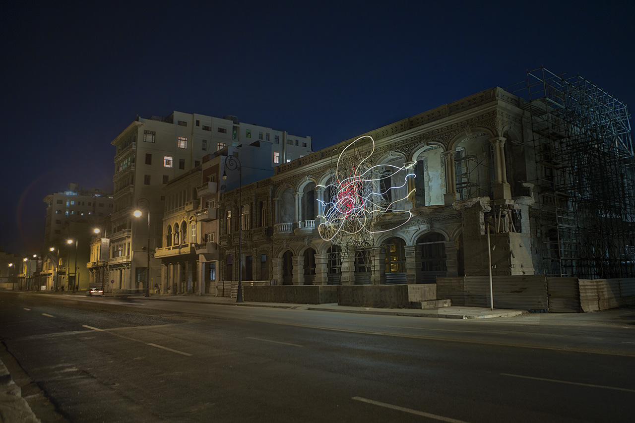 grimanesa amoros Mariposa Dorada light installation at 13th havana biennal detras del muro